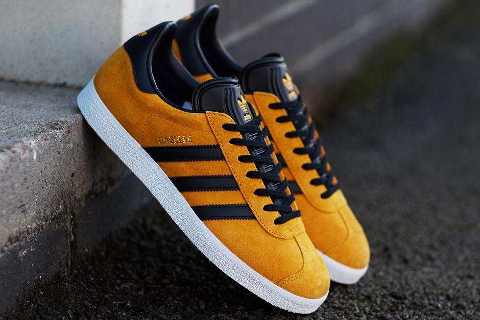 Adidas Gazelle Mens Trainers In Yellow Blue   Adidas gazelle