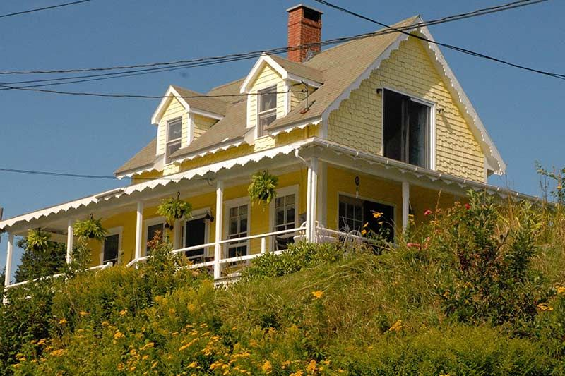 the lemonade cottage circa old houses old houses for sale and rh pinterest com
