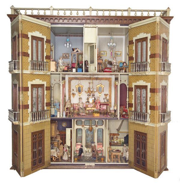 Dollhouse Miniatures Victoria Bc: The Spanish Mansion Dollhouse Was Made In The Late 19th