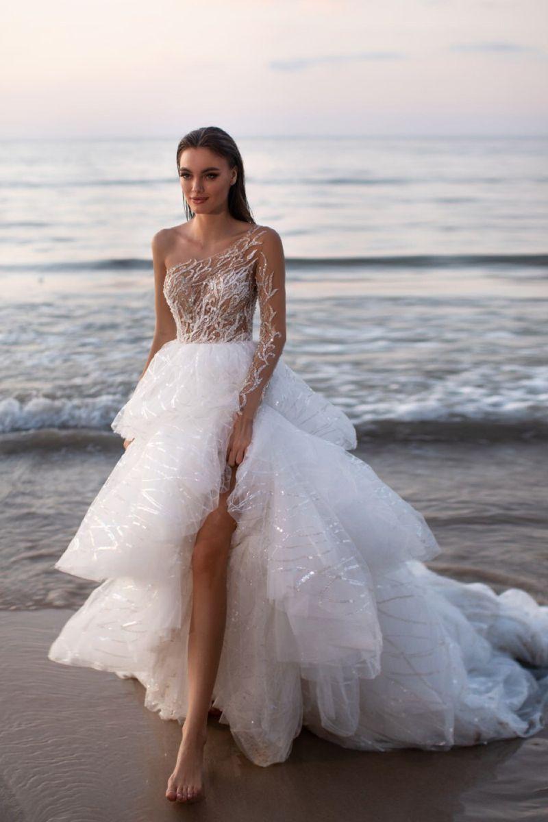 Dream Wedding Dresses Ball Gown Princess Wedding Dress With Sleeves In 2020 Wedding Dresses Romantic Stunning Wedding Dresses Wedding Dresses