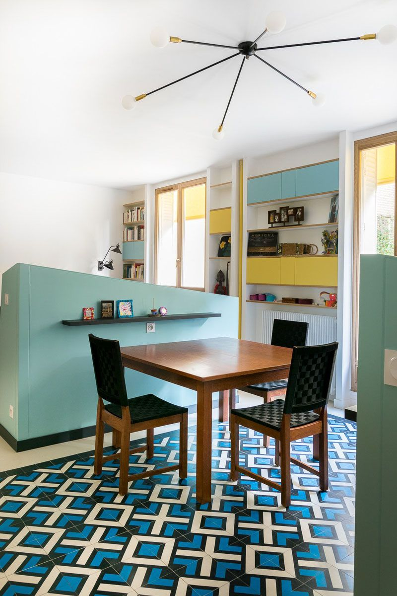 This Small Apartment Uses Half Walls To Create Separate Spaces For The Kitchen Dining And Living Room Room Remodeling Dining Room Remodel Dining Room Combo