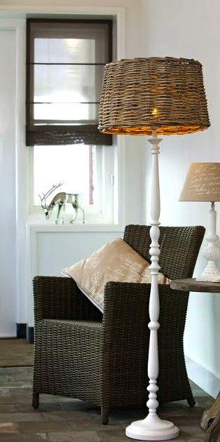Weiße Stehlampe im Landhausstil Stehleuchte mit Rattan - beleuchtung wohnzimmer landhausstil