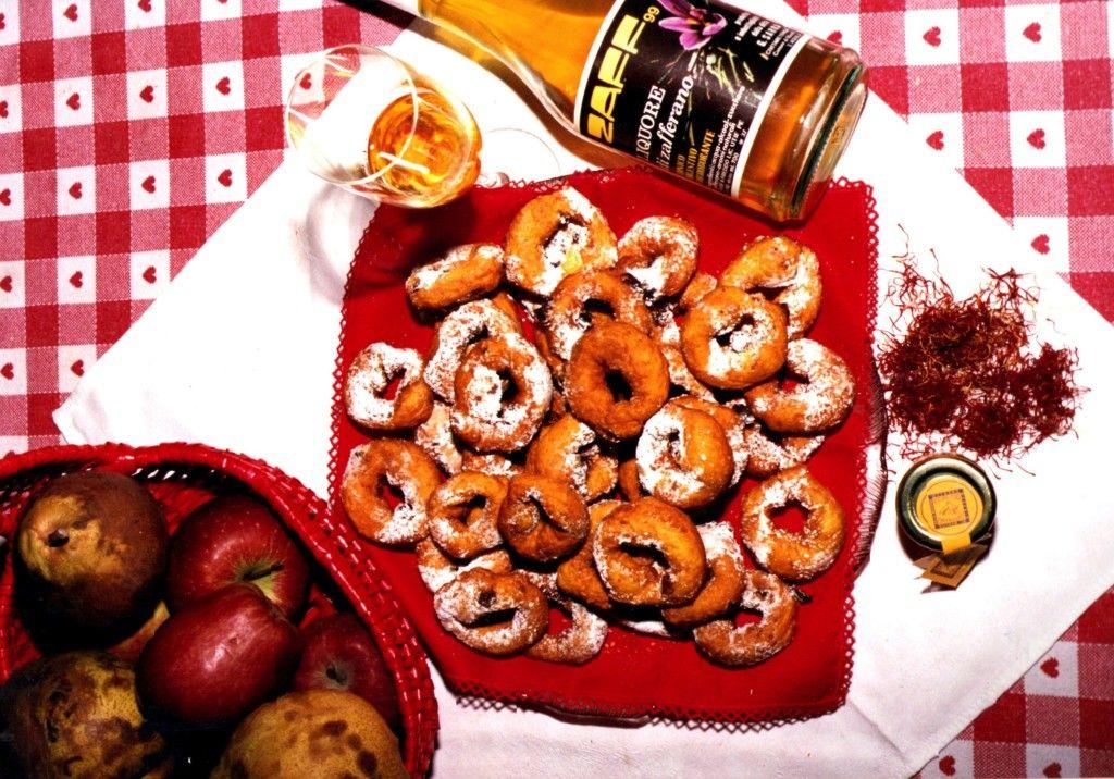 Fritti di Natale allo zafferano della Cooperativa Altopiano di Navelli | L'Abruzzo è servito | Quotidiano di ricette e notizie d'Abruzzo