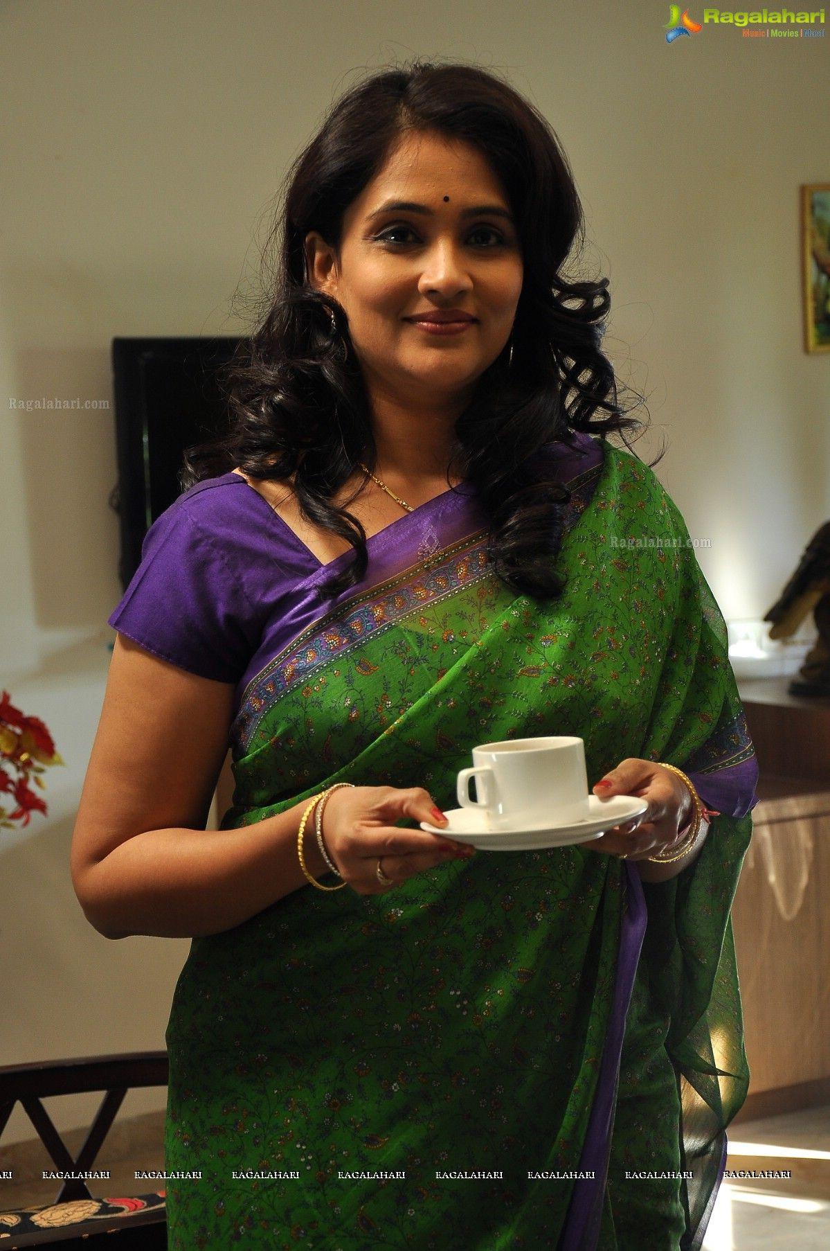 Beautiful Gayatri Bhargavi In Saree Photos Indian Fashion Saree Saree Indian Women