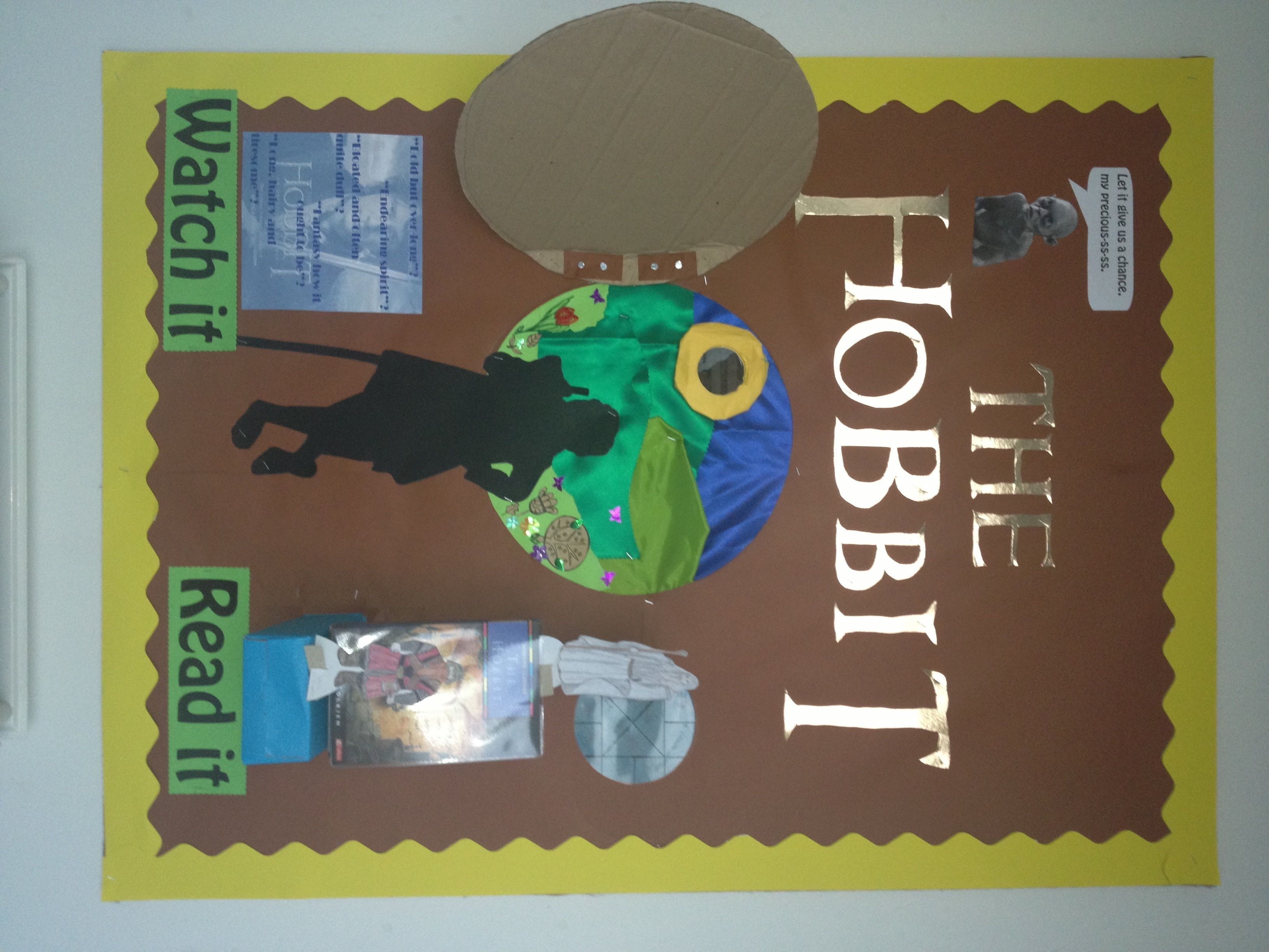 the hobbit bulletin board bulletin boards bulletin i made this display when the hobbit film came out at the cinema i included