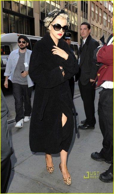 2ad982a5557fc Christina Aguilera and Prada SPR 21 LS Round Sunglasses Photograph ...