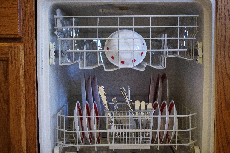 How To Use Clorox Or Bleach In Dishwashers Hunker Bleach In Dishwasher Clean Dishwasher With Bleach Clean Dishwasher
