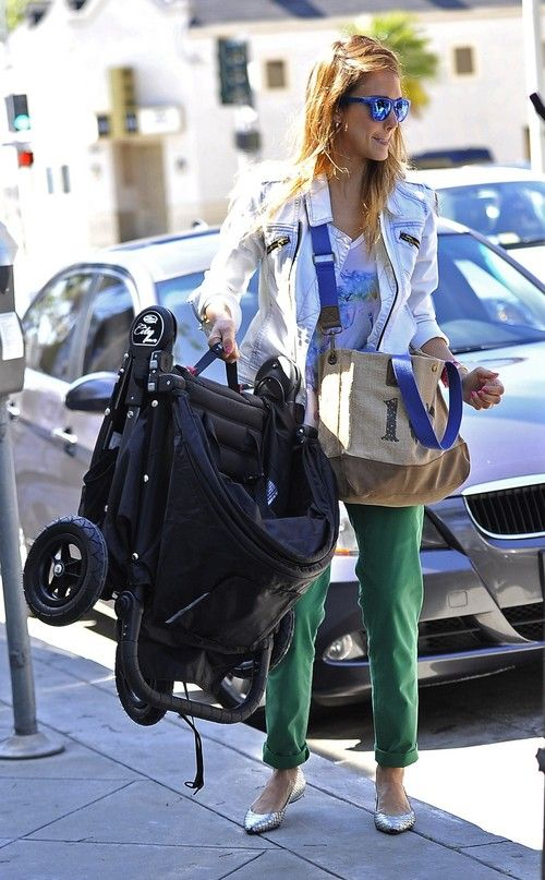 Jessica Alba out for lunch at Le Pain Quotidien in West Hollywood on March 30, 2013
