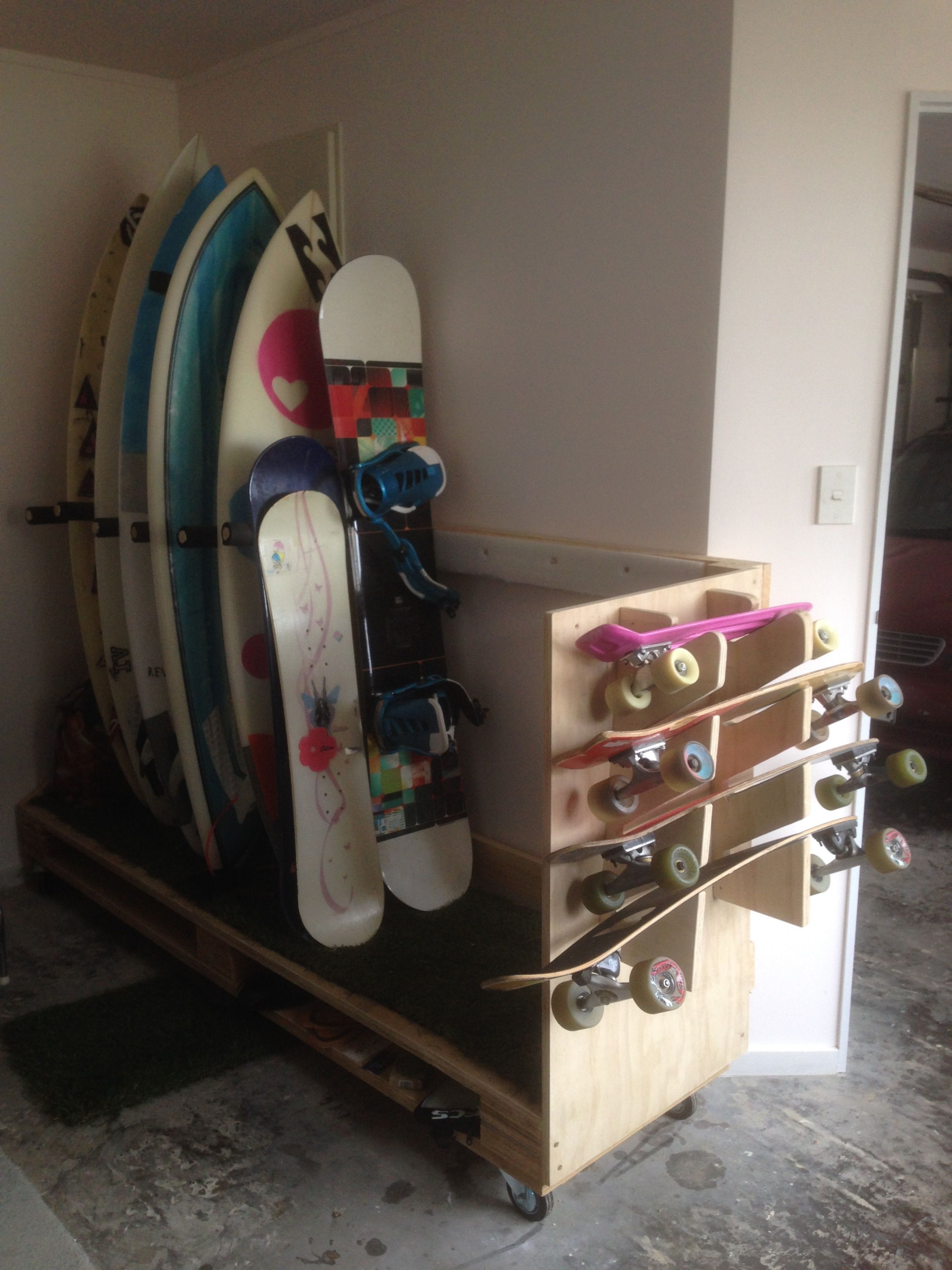 DIY Surfboard / Snowboard / Skateboard Storage Stand Made From Palettes.