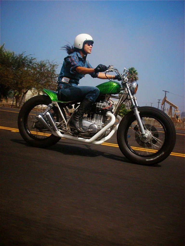 Photos : Les femmes et les motos, chapitre 3 – Chazster