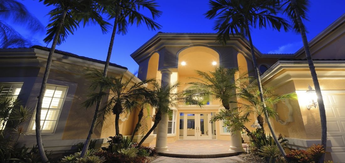 fl realty group offers best services of foreclosures condos rh pinterest com houses for sale in orlando florida with a pool