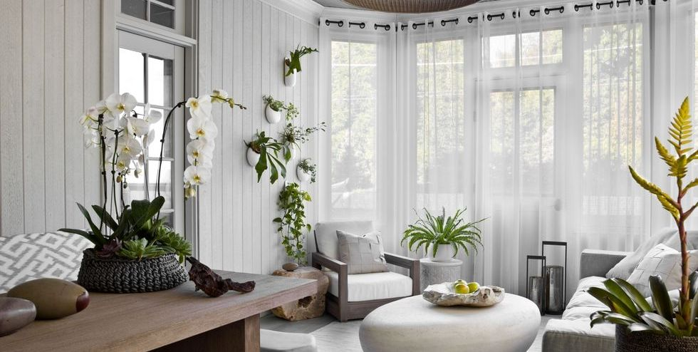 These Curtain Ideas Will Inspire You To Rethink Your Windows In 2020 Minimalist Curtains Living Room Windows Minimalist Room #window #dressing #living #room