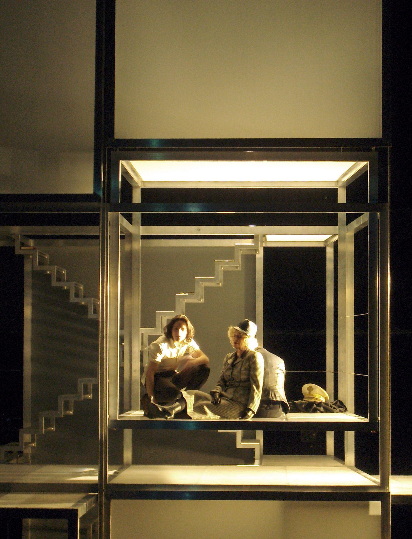 Mephisto, rien qu'un acteur, set design Anna Popek, dir. A. Bisang, La Comédie de Genève, 2006