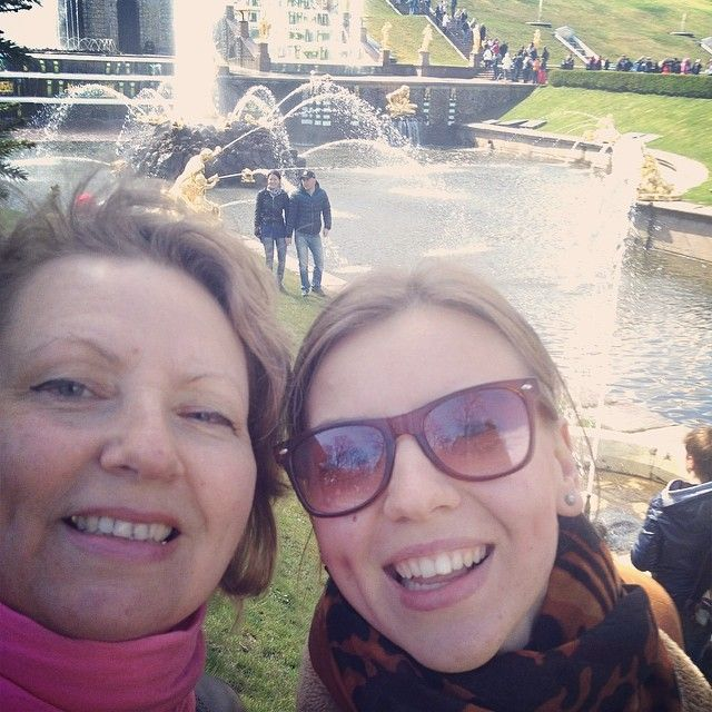 "@mary_faty's photo: ""#selfiewithmom #petergof #wonderful #weekend"""