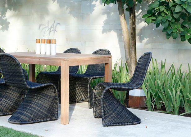 Contemporary and Elegant Synthetic Rattan Barbuda Dining ...