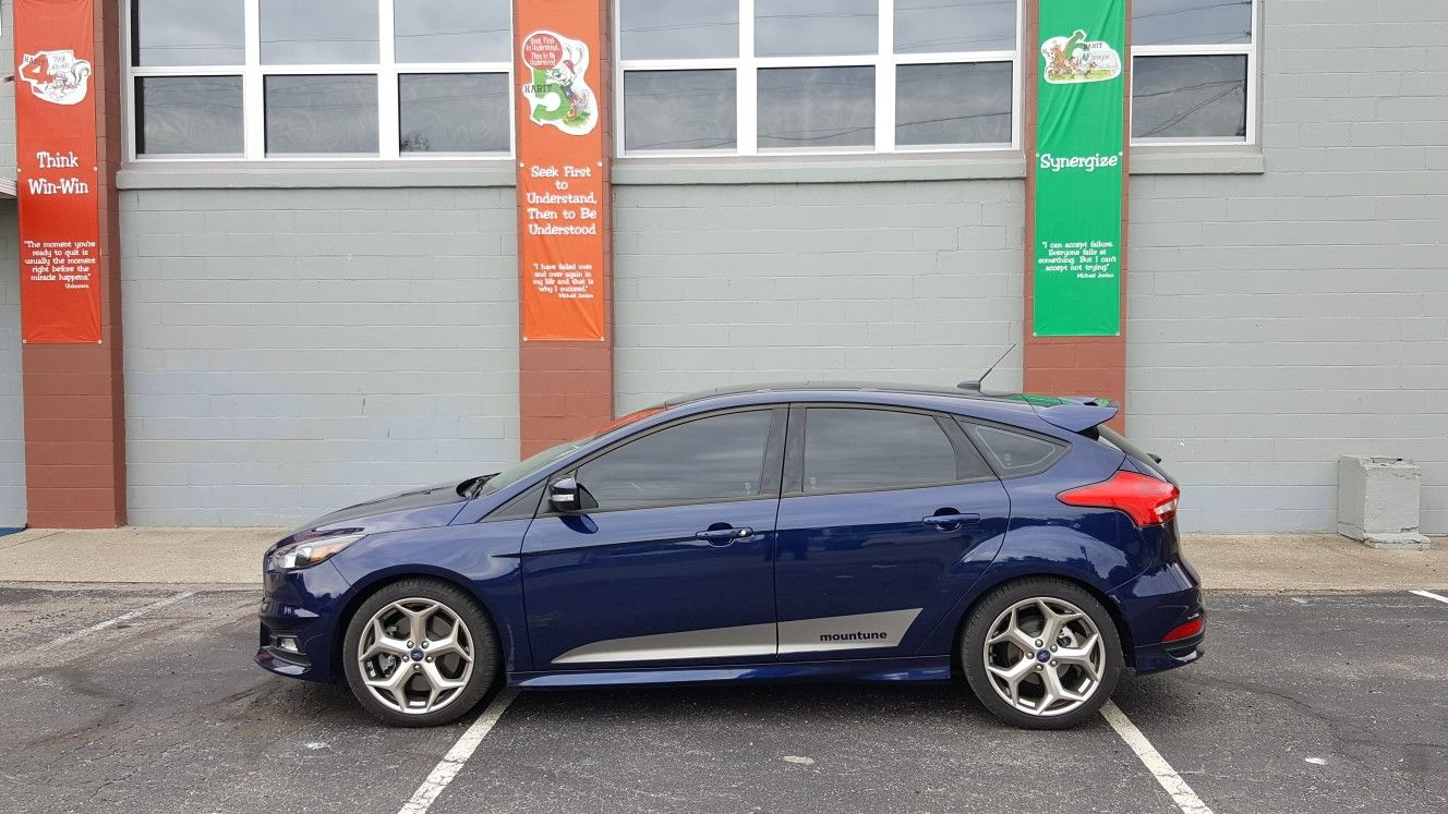 Ford Focus St 2016 Kona Blue With Mountune Logo