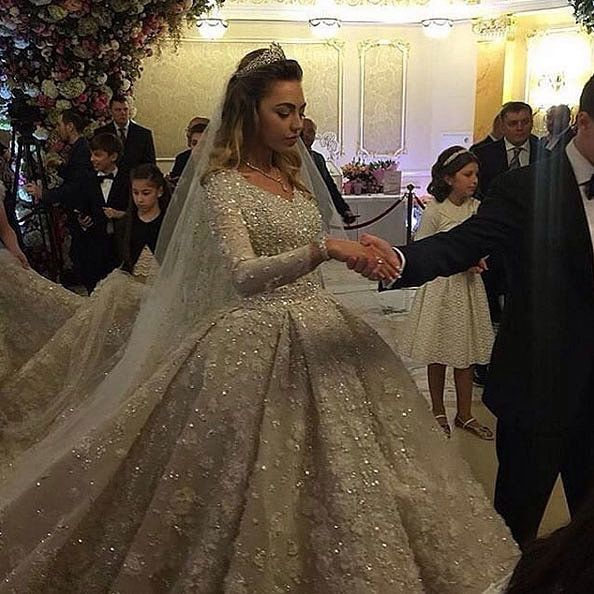 This Russian Bride S Elaborate Wedding Gown Will Absolutely Blow Your Mind Most Expensive Wedding Dress Russian Wedding Dress Expensive Wedding Dress