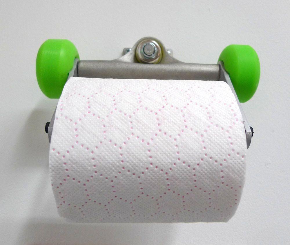 43 id es d co avec des planches de skateboard skateboard furniture skatebo - Fabriquer porte papier toilette ...