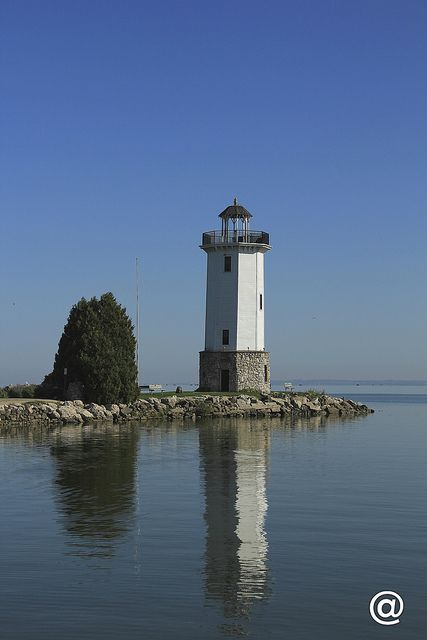 tranquility bay early morning delight let there be lighthouses rh pinterest com
