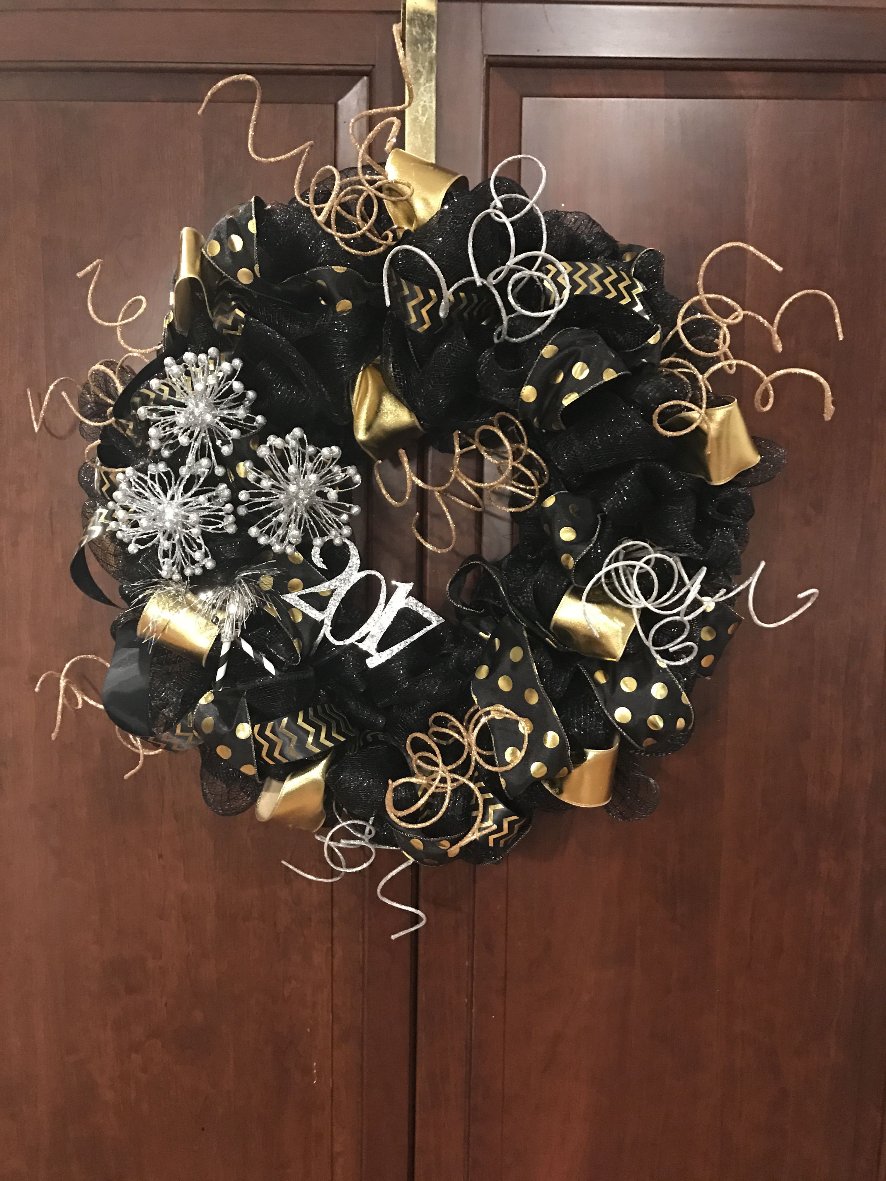 New Year's Eve wreath | Party | New years eve decorations ...