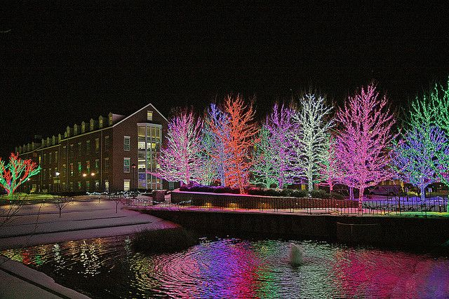 Okc Christmas Events.Christmas Lights Display At Chesapeake Energy Corporation