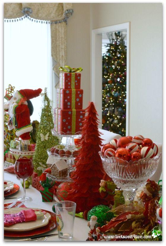 decorating the table for a christmas celebration christmas decor rh pinterest com