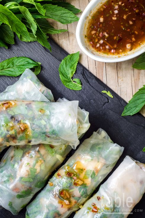 rice paper rolls with lemongrass chricken