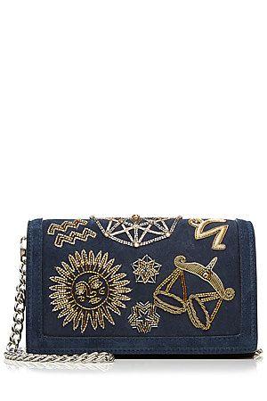 Steht in den Sternen - die nachtblaue Schultertasche aus Veloursleder von Emilio Pucci mit Sternzeichen-Stickereien ist die vielleicht schönste Tasche der Saison #Stylebop