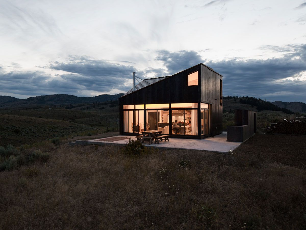 white rock cabin is a modest 850 sf cabin set within the semi arid rh pinterest cl