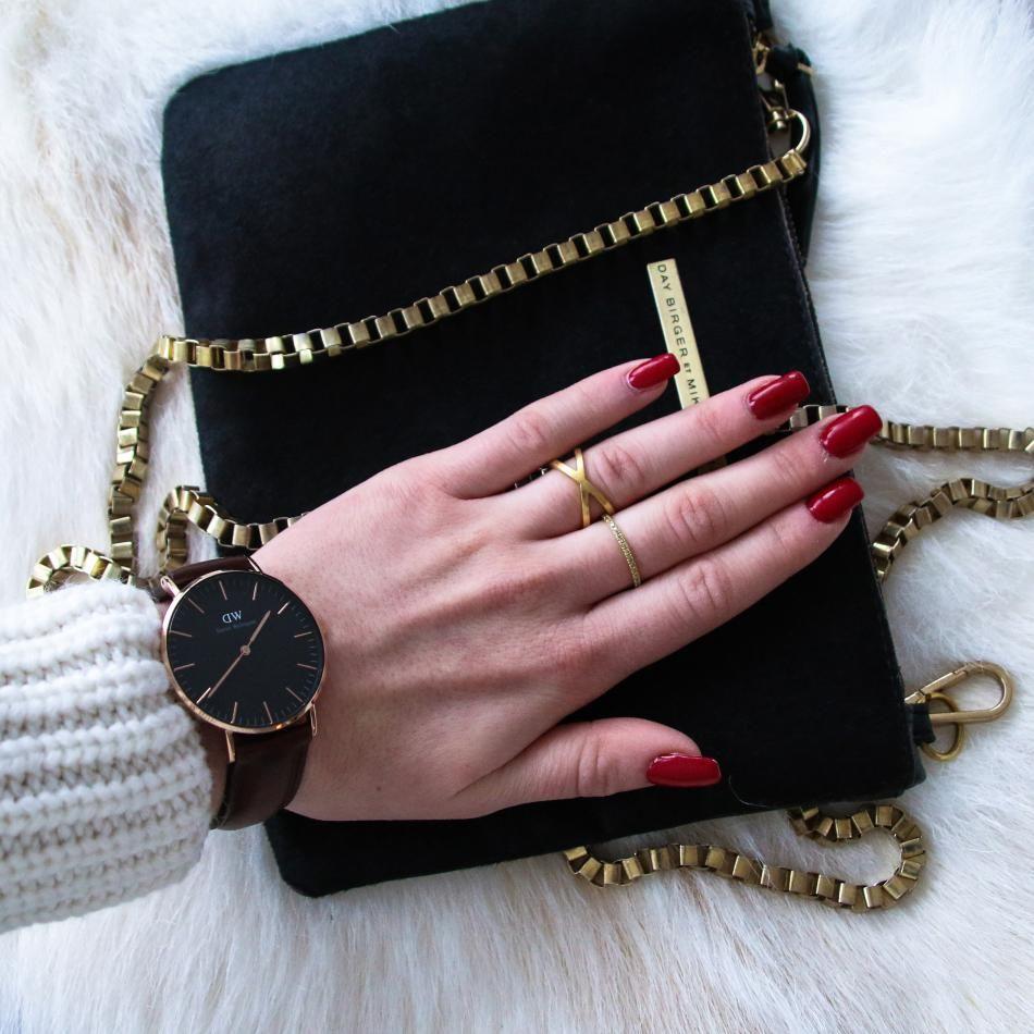 Styling by nicolinaloof showing Cross Ring Gold and Eternal Yellow Zirconia Half Ring Gold #jewellery #Jewelry #bangles #amulet #dogtag #medallion #choker #charms #Pendant #Earring #EarringBackPeace #EarJacket #EarSticks #Necklace #Earcuff #Bracelet #Minimal #minimalistic #ContemporaryJewellery #zirkonia #Gemstone #JewelleryStone #JewelleryDesign #CreativeJewellery #OxidizedJewellery #gold #silver #rosegold #hoops #armcuff #jewls #jewelleryInspiration #JewelleryInspo #accesories…