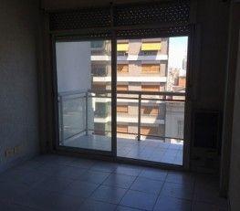 CI32656 - Almagro - CABA. Tipo: Monoambiente de 39 mts² Monoambiente. Sup. cub.: 39 Mts2. Departamento dividido con pared y placard, en piso 8 al frente. Muy Bien ubicado, con numerosos medios de transporte (cerca del subte A y B). Zona con muchos comercios. Dormitorio luminoso con balcón.