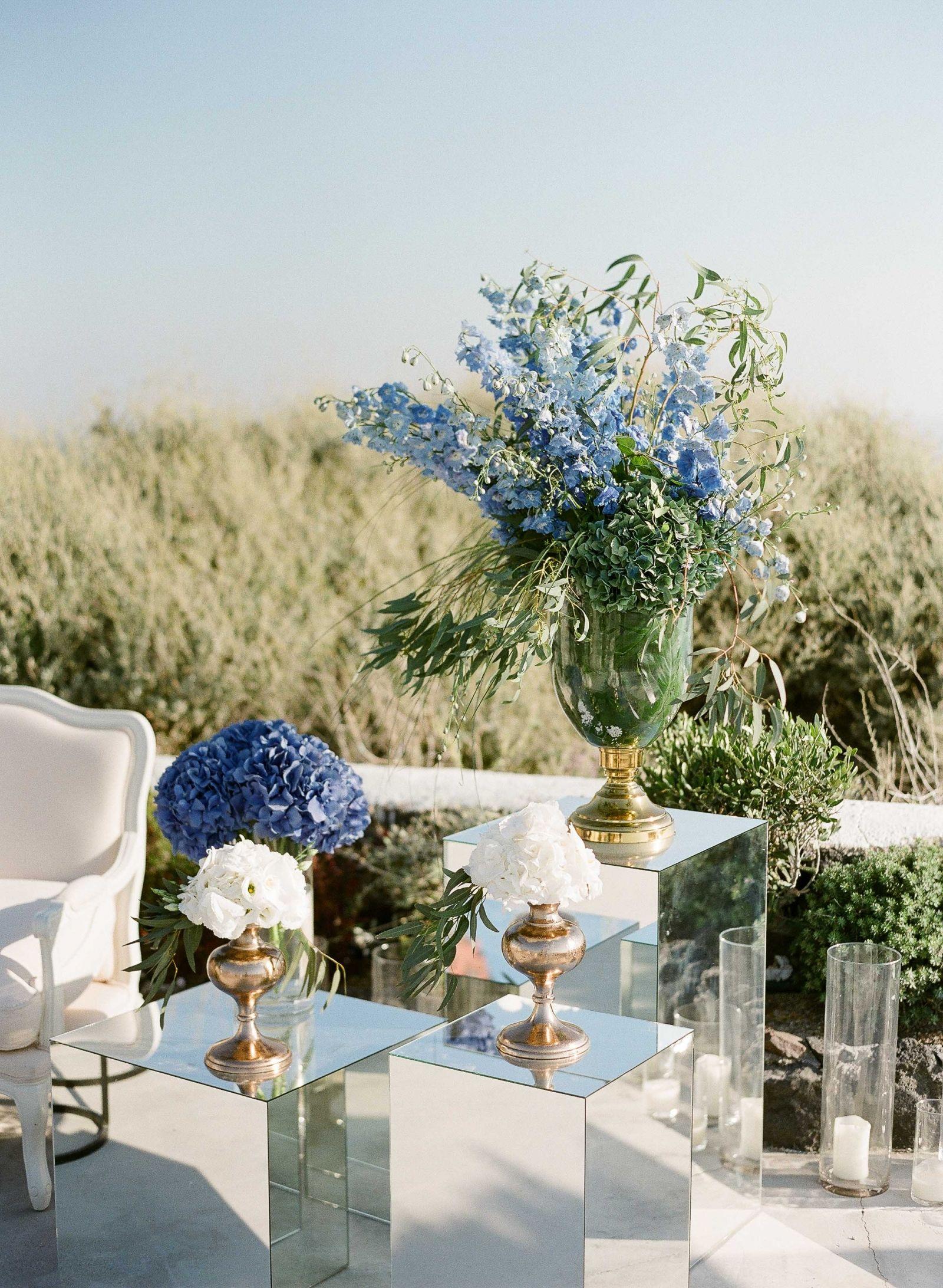 elegant blue and white wedding in stunning santorini santorini rh pinterest com