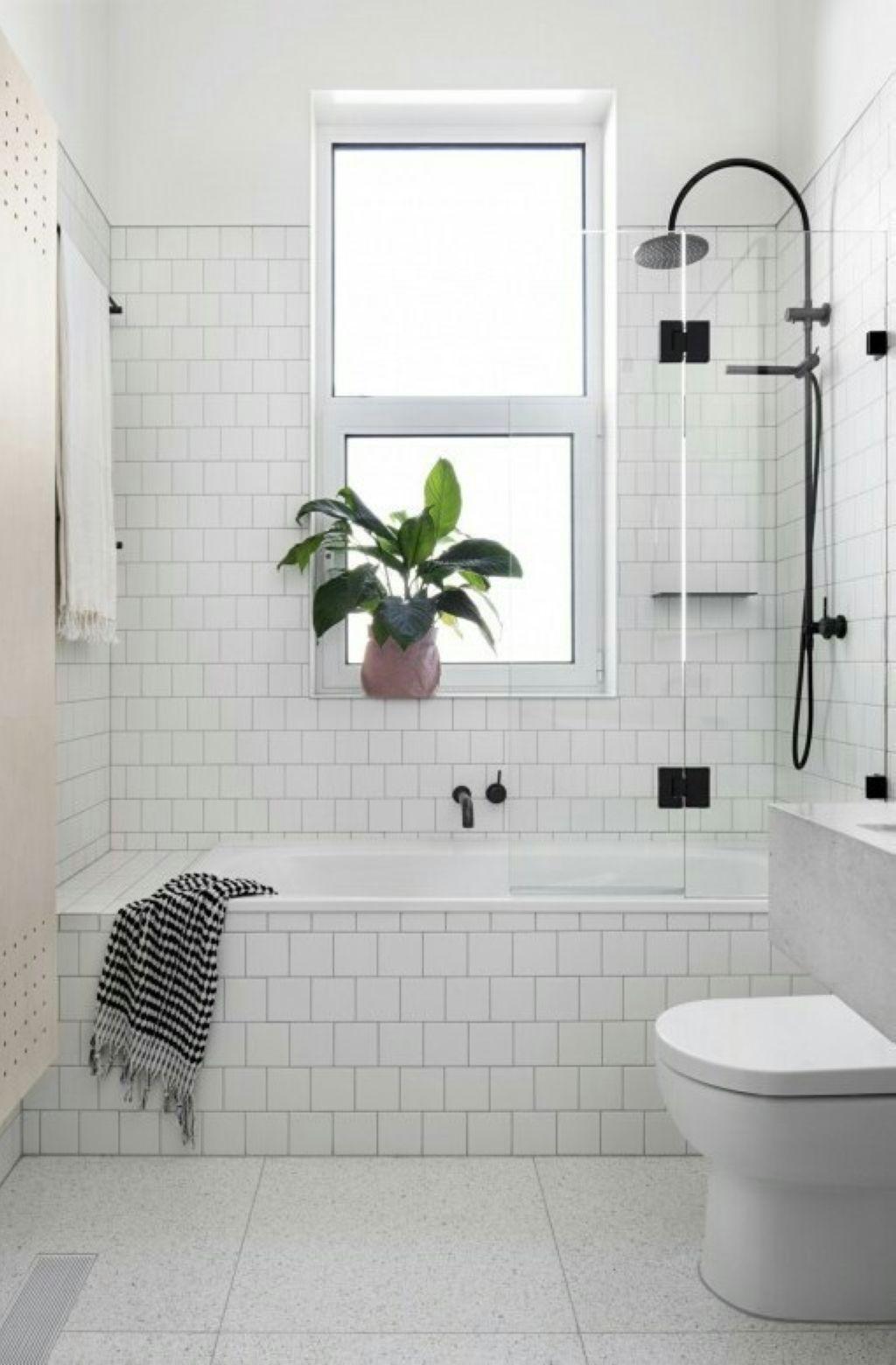 41 Beautiful Tiles Around Shower Window 41