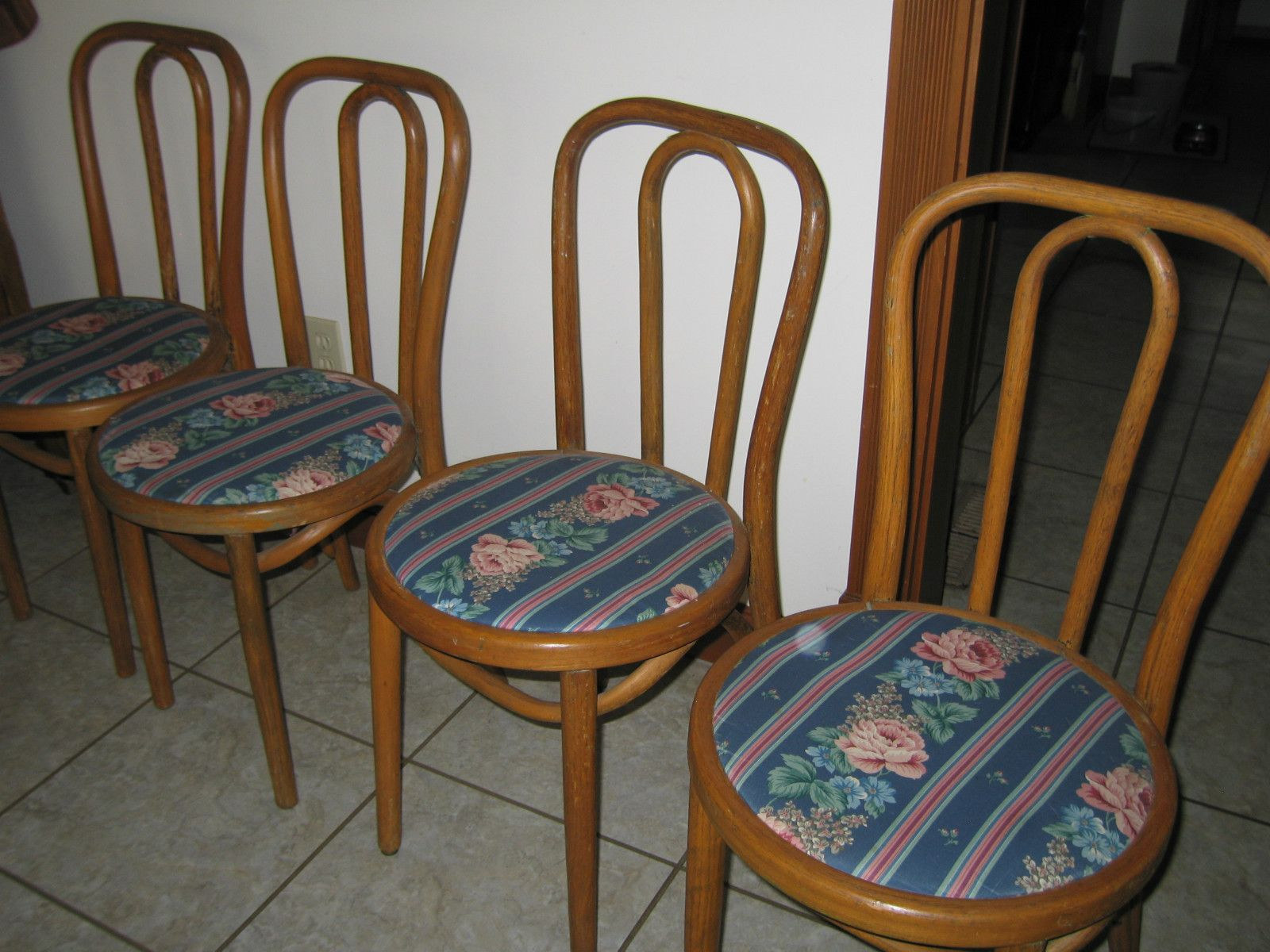 4 vintage wooden ice cream parlor chairs antique ebay for the rh pinterest com