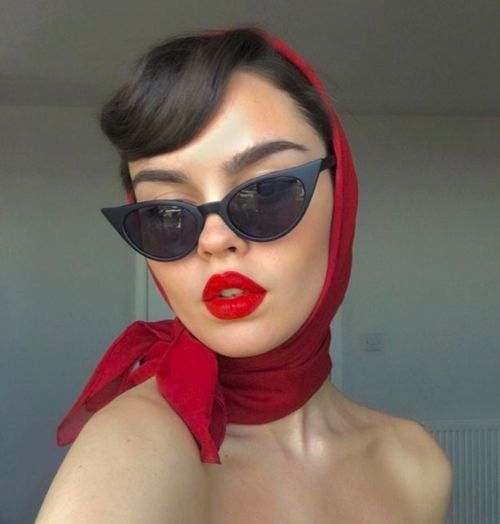 15+ Of The Best Scarf Hairstyles For Any Season - Eluxe Magazine