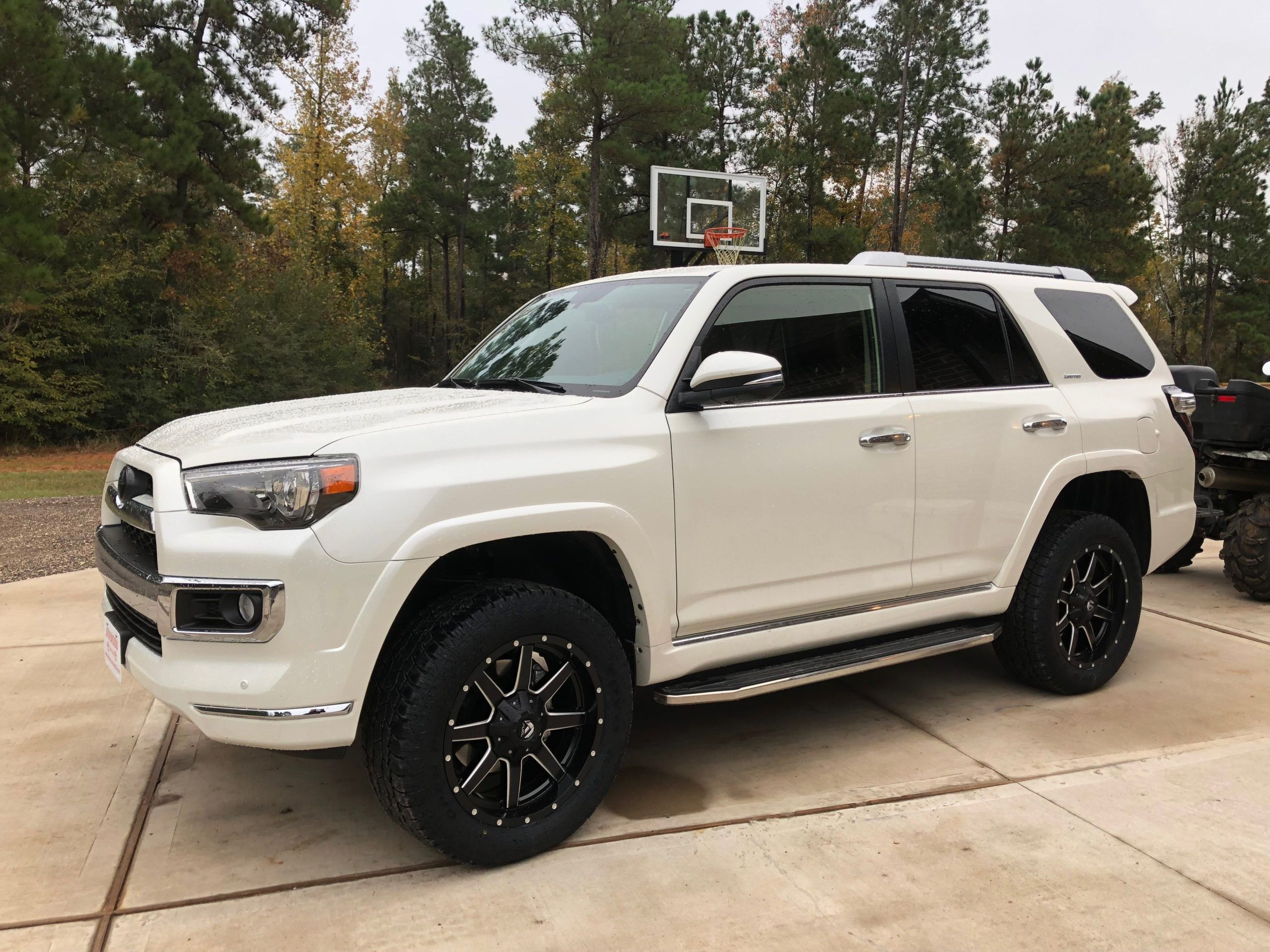 2017 Toyota 4runner Sr5 3rd Row With Trd Pro Front End In 2020 Toyota 4runner 4runner Toyota 4runner Sr5