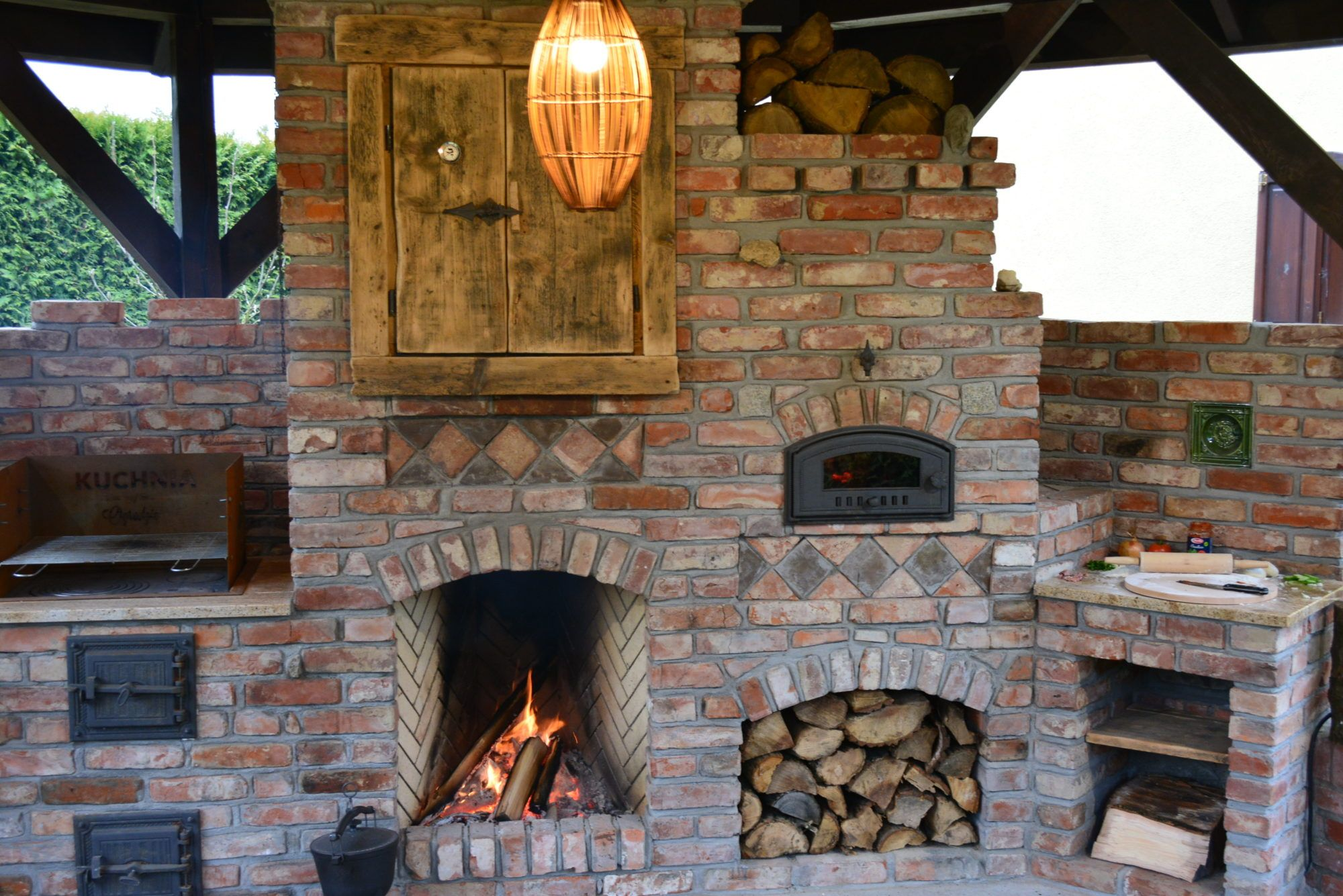 Kuchnie Ze Starej Cegly Kuchnie Letnie Ogrody Zimowe Grille Piece Kuchnia W Ogrodzie Barn Kitchen Sauna Diy Patio