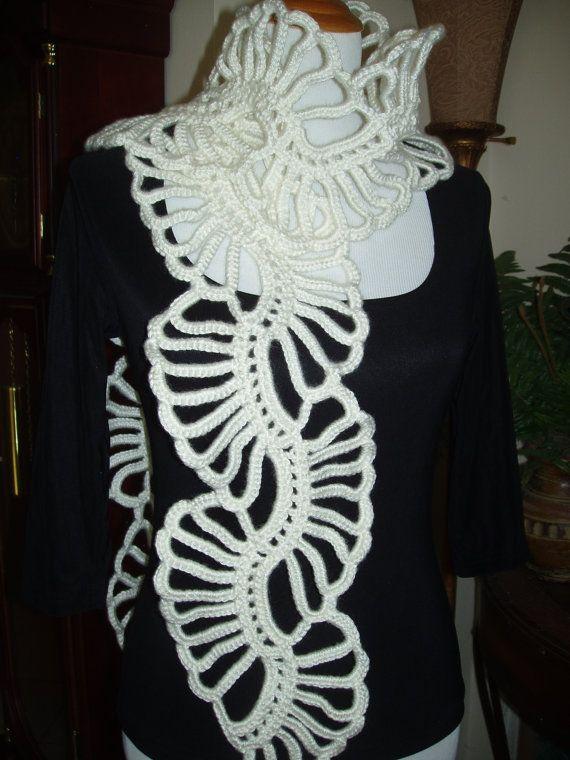 Hey, diesen tollen Etsy-Artikel fand ich bei https://www.etsy.com/de/listing/208720701/crocheted-lace-schal-flower-elfenbein