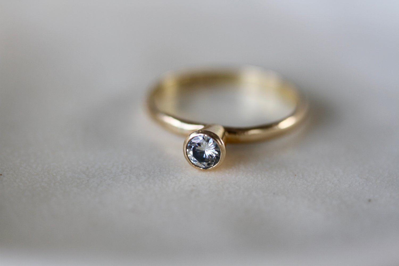 Ky gold mm forever brilliant moissanite engagement ring pashey