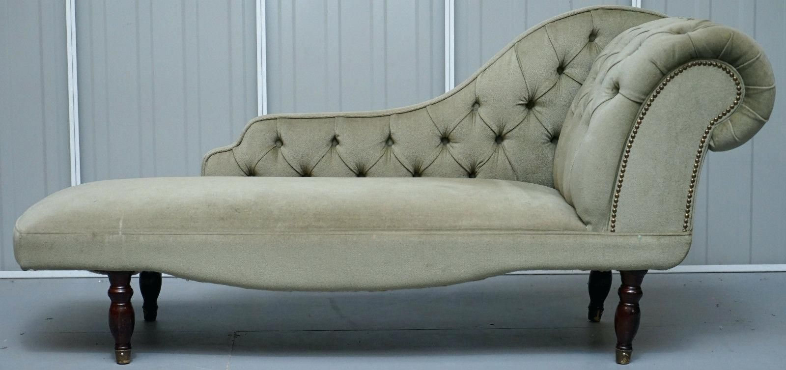Daybeds Green Velvet Chesterfield Daybed Photo