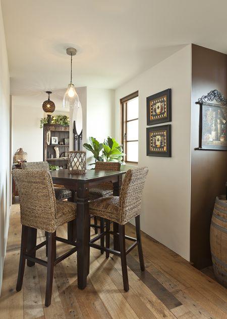 Small Kitchen Table Decor