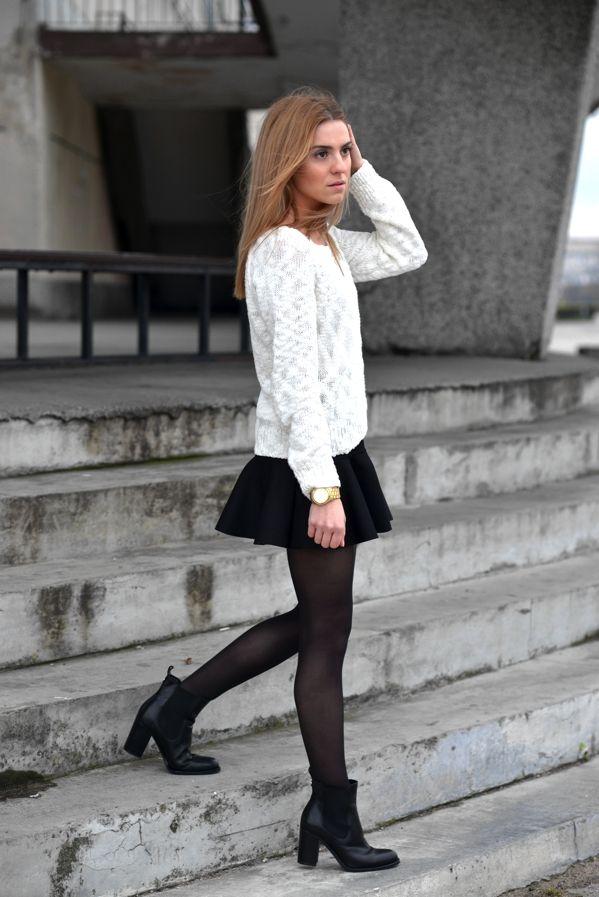 Souvent jupe courte, gros pull , collants et boots, sympa pour l hiver  WB79