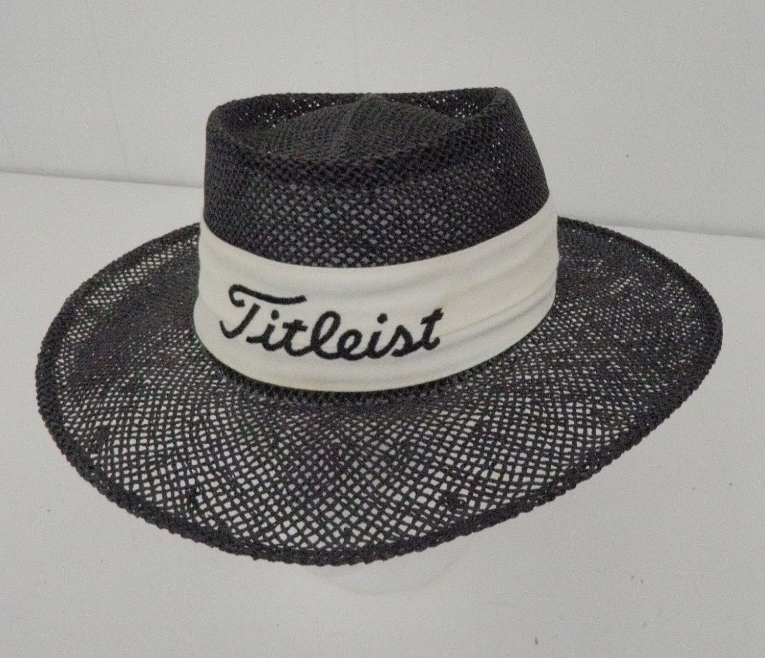 Titleist Vintage Straw Hat Panama Style Wide Brim Black White Golf  Embroidered Yupoong Made in Korea by TraSheeWomen on Etsy  titleist   panamahat  strawhat ... 0463376d44e