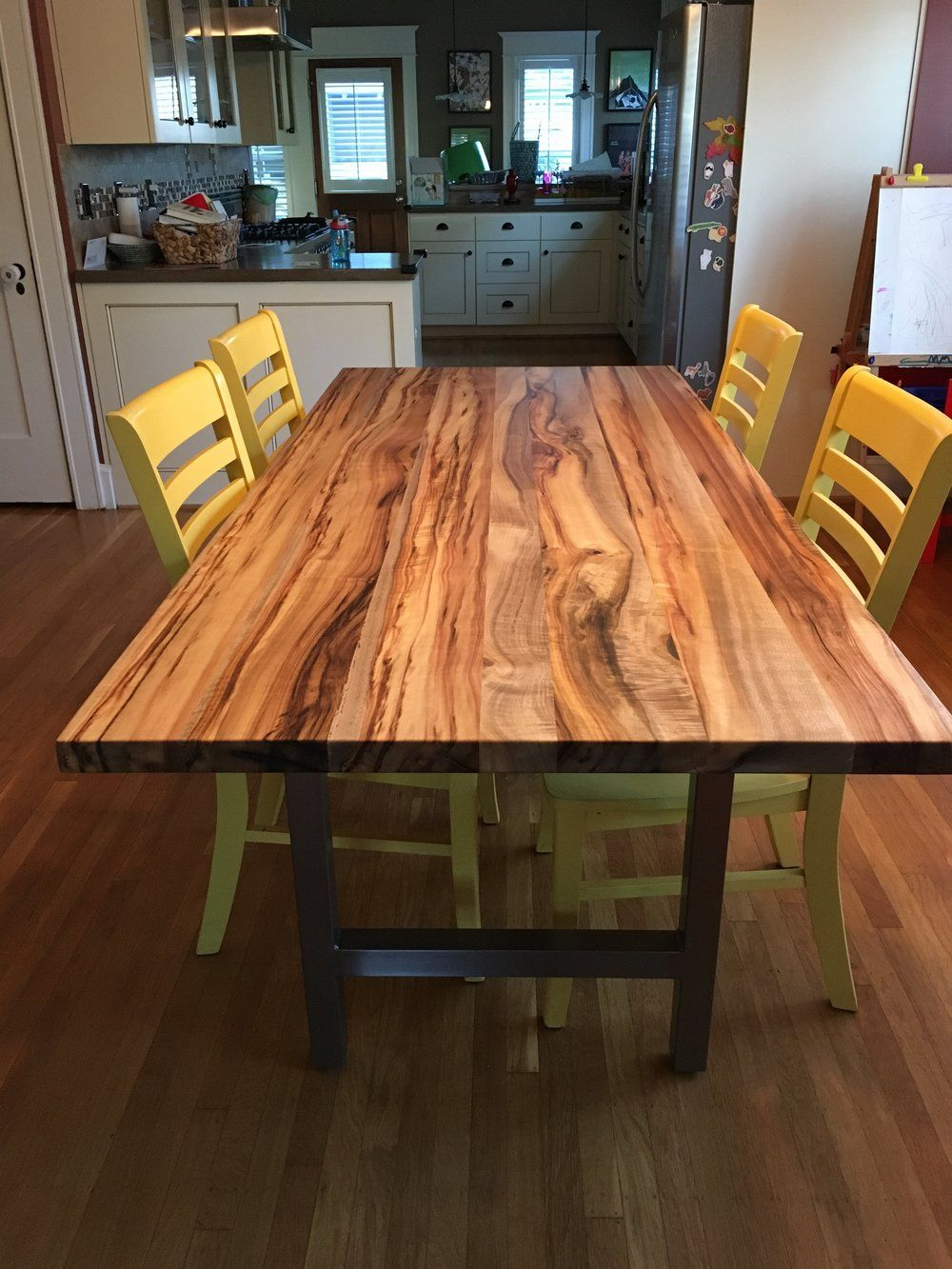 Live Edge Walnut Dining Table In 2020 Custom Dining Tables