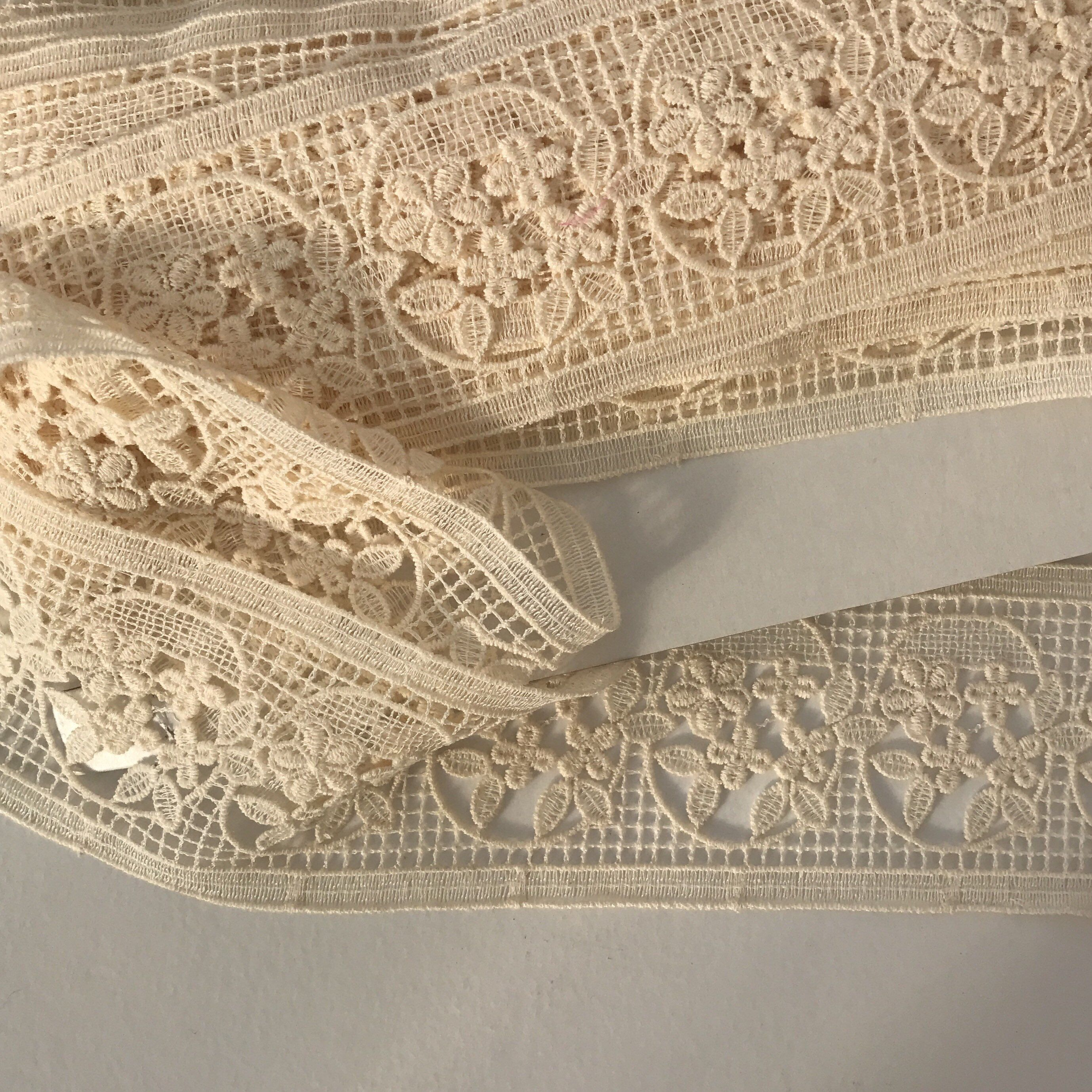 15 Metres Vintage French Cutwork Ribbon Vintage Ribbon Etsy Vintage Ribbon Vintage Bridal Accessories French Vintage