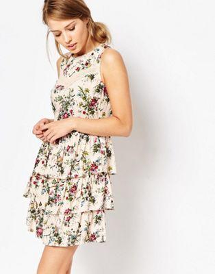 90558e0b1c95b8 Oasis Ditsy Lace Trim Tiered Dress