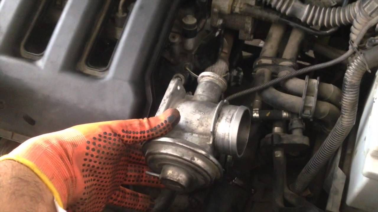 How To Do A Full Service On A Land Rover Freelander TD Garage - Land rover oil change