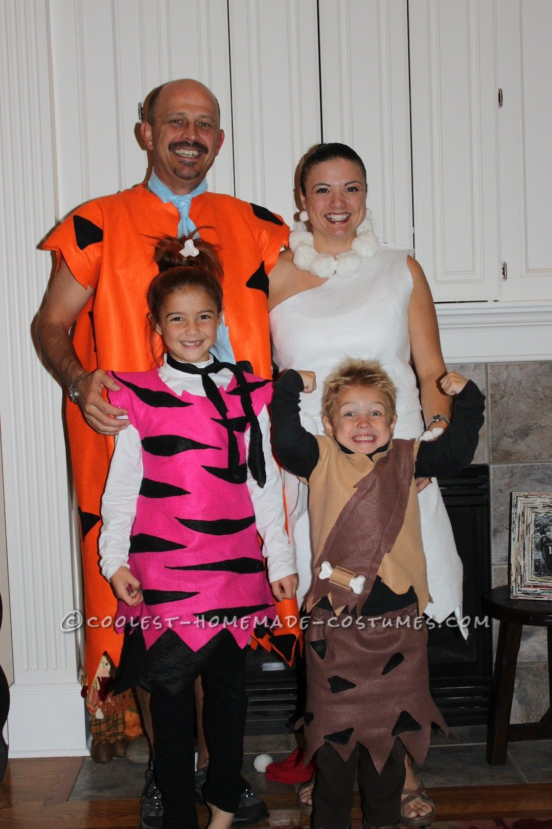 fun homemade group costume for the family the flintstone 39 s group halloween costume ideas. Black Bedroom Furniture Sets. Home Design Ideas