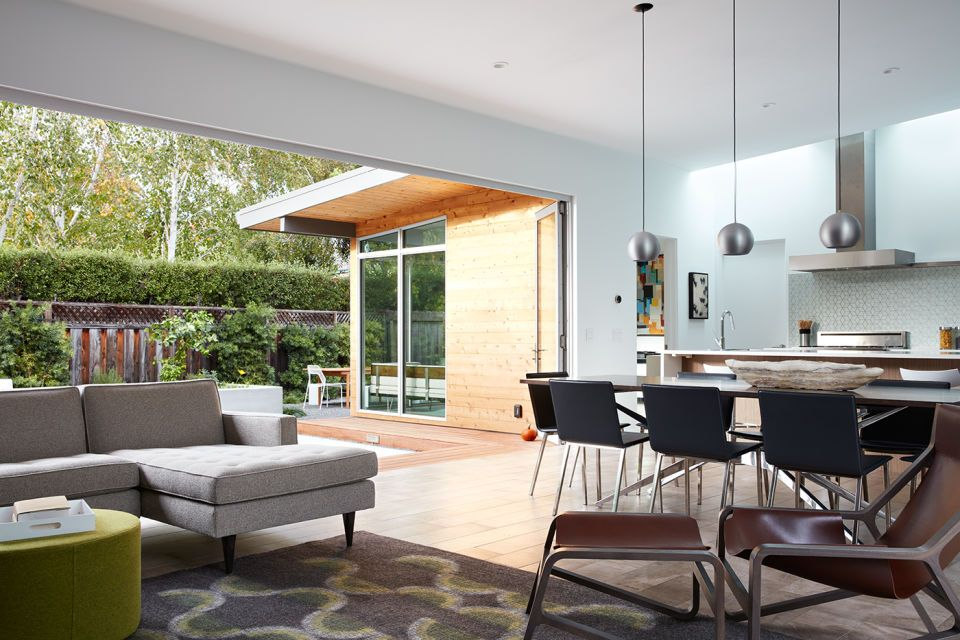 This 1960s modern home in San Bruno