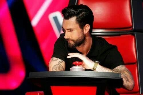 Pin on Celebrities that I love! |Haircut Beard Adam Levine